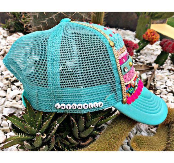 Gorra decorada para mujer
