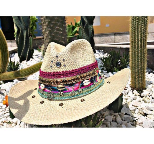 sombrero para mujer con adornos Montería bisuteria vaquero vueltiao playa decorado agudeño cintas elegante flores elegua de moda cali Santa Marta cabalgata bisuteria cartagena bucaramanga fiesta sol artesanal