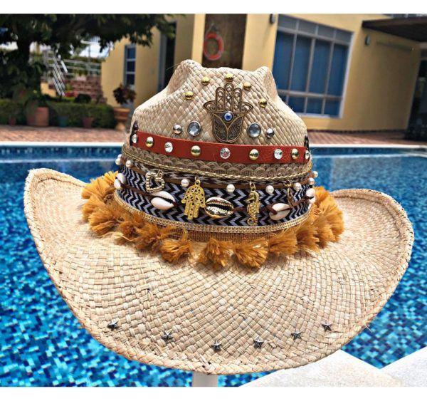 sombrero con adornos para mujer elegante vueltiao cintas bisuteria artesanal sol decorado vaquero flores de moda elegua cabalgata agudeño playa Valledupar Neiva buga colombia cucuta soledad fiesta