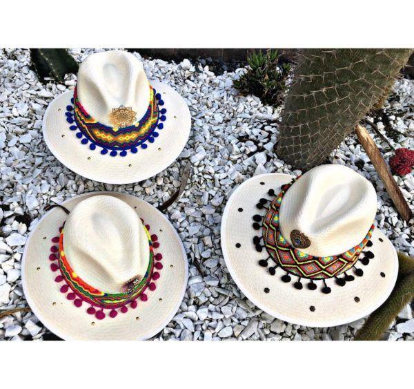 sombrero con adornos para mujer de moda artesanal agudeño cintas sol flores vaquero bisuteria playa vueltiao decorado cabalgata elegua elegante Santa Marta Montería bisuteria medellin soacha bello fiesta