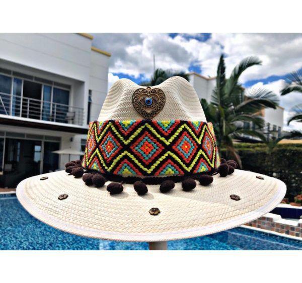 Sombrero decorado para mujer