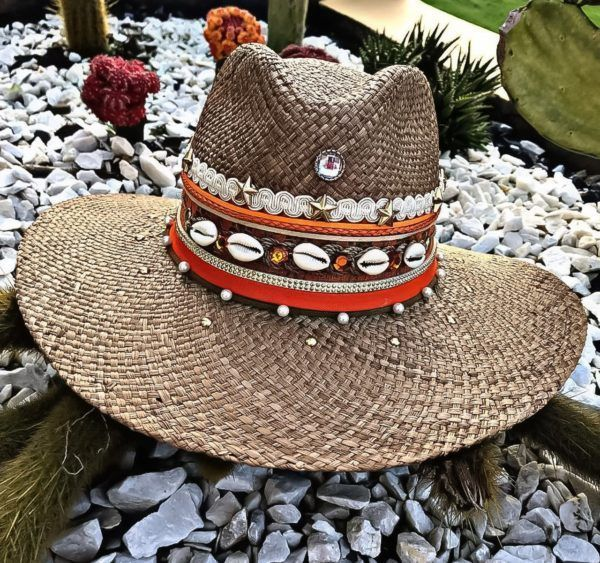 sombrero para mujer decorado elegua de moda colombia cucuta agudeño elegante vueltiao cintas artesanal cabalgata vaquero sol flores playa soledad Valledupar decorado bisuteria Neiva buga plumas fiesta