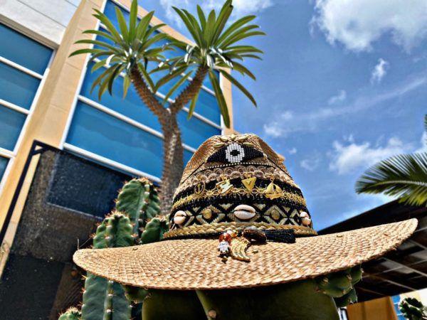 sombrero para mujer con adornos vaquero sol de moda elegante flores playa artesanal cintas decorado vueltiao agudeño elegua bisuteria Ibagué Manizales Armenia bogota barranquilla bello
