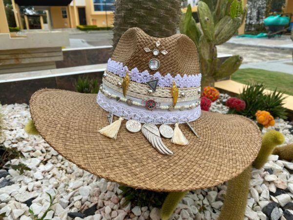 sombrero decorado para mujer bisuteria sol elegante playa de moda vaquero elegua agudeño vueltiao flores decorado artesanal cintas cali barranquilla soledad Villavicencio Manizales Pasto